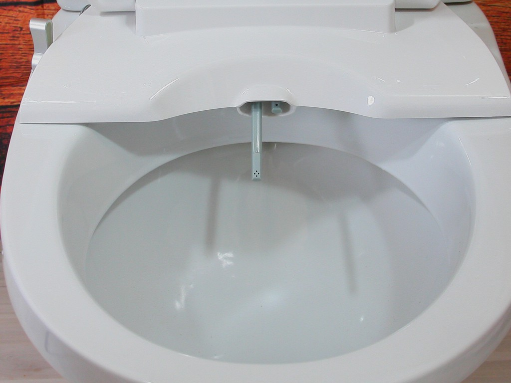АКВА-ДЖЕТ - форсунки выдвигаются и убираются автоматически